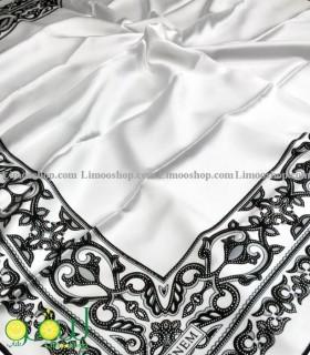 روسری سفید مشکی